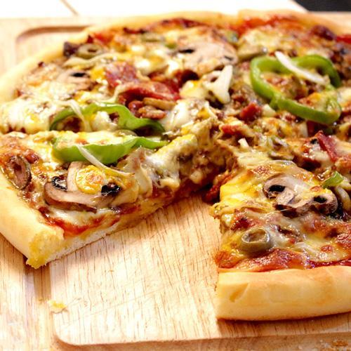 پيتزا قارچ و گوشت